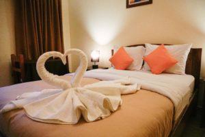 Ollantaytambo, La Casa de Abuelo, Hotel room, Swans,